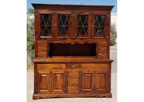 Solid Wood Mahogany China Cabinet Display Hutch Curio Flatware Beautiful